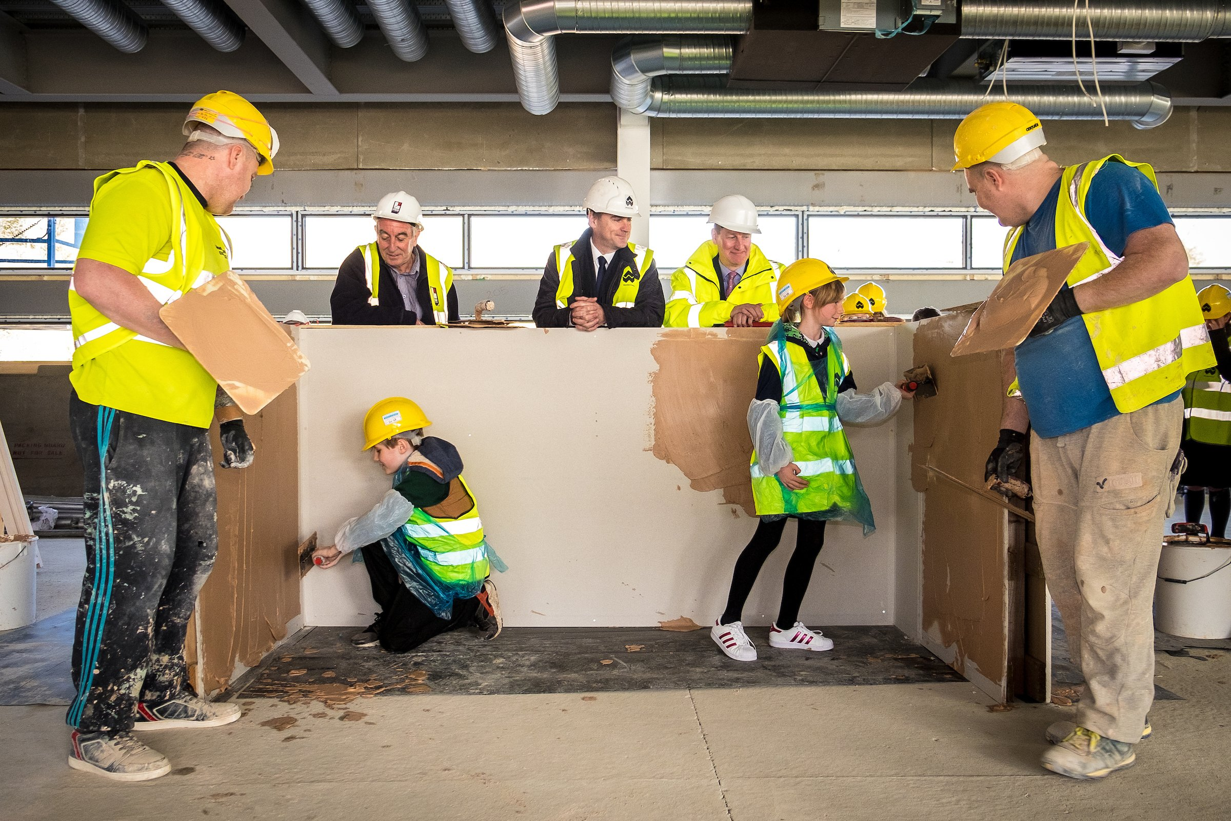BEE Interiors Limited – helping pupils get hands on as construction site visit brings learning to life